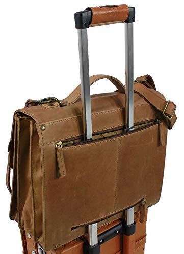 Idéal en bagage cabine ce cartable serviette XXL Landleder en cuir de vachette peut se porter par la poignée ou en bandoulière ou encore fixé sur un trolley lors de tous vos déplacements.